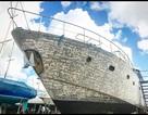 Chủ nhân dính tội lừa đảo, siêu du thuyền hàng triệu bảng Anh bị bán rẻ như cho