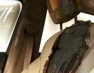 iPhone đặt trong ô tô bất ngờ phát nổ khiến nội thất xe bị bốc cháy
