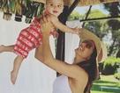 Eva Longoria đưa con trai cưng đi biển