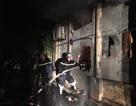 Hà Nội: Giải cứu 2 cô gái mắc kẹt trong đám cháy cửa hàng giày