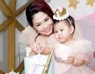 Ca sĩ Thanh Thảo về Việt Nam mừng thôi nôi con gái