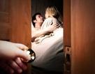Làm gì khi chồng hẹn hò với gái mại dâm?