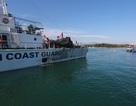 6 ngư dân được cảnh sát biển đưa vào bờ an toàn sau nửa tháng trôi dạt