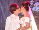 Ca sĩ Thu Thủy và chồng kém 10 tuổi hạnh phúc trong tiệc cưới