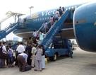 Nhân viên hàng không trao trả hàng trăm triệu đồng khách để quên khi đi máy bay