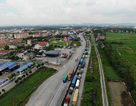 Quốc lộ 5 ùn tắc nghiêm trọng sau vụ tai nạn làm 5 người tử vong