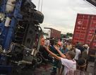 Xe tải đổ vào đoàn người chờ sang đường, 5 người tử vong