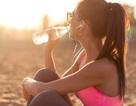 Bốn cách uống nước và giữ nước cho cơ thể