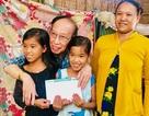 """Trở lại thăm """"hai đứa con tinh thần"""", Tổng biên tập báo Dân trí tiếp tục giúp đỡ 2 bé Nhân - Ái"""