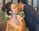 Đàm Thu Trang hôn Cường Đôla say đắm trong hôn lễ