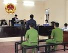 Giải cứu vợ bị hành hung, chồng lĩnh án 2 năm tù