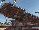 Cận cảnh quá trình Mỹ lắp ráp tàu sân bay đắt đỏ nhất thế giới