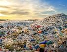 """Việt Nam """"đau đầu"""" nạn rác thải: Trớ trêu cảnh doanh nghiệp cứ vô tư xả rác"""
