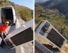 Ném tủ lạnh xuống vách núi, người đàn ông bị phạt hơn 1 tỷ đồng và phải tự tay kéo tủ lạnh lên