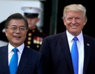 """Phát ngôn về """"phí bảo vệ"""" Hàn Quốc của Tổng thống Trump gây tranh cãi"""