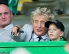 74 tuổi, Rod Stewart hạnh phúc đưa con trai 7 tuổi đi xem bóng đá