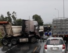 Container và 2 đầu kéo tông nhau liên hoàn, quốc lộ 1 ách tắc