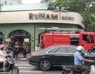 Cháy quán cà phê ở Sài Gòn, giao thông kẹt cứng giờ cao điểm