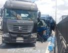 Giải cứu hai người kẹt trong cabin xe tải sau tai nạn