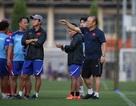 HLV Park Hang Seo không loại Văn Hậu, mang 24 cầu thủ sang Thái Lan