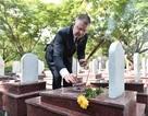 Đại sứ Mỹ viếng mộ liệt sĩ tại Nghĩa trang Trường Sơn