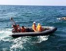 Cứu sống 10 thuyền viên bị chìm tàu trên biển trong bão số 4