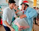 Công ty BĐS Đảo Vàng trao 600 phần quà cho đồng bào bị thiệt hại do lũ lụt