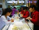 """Trung Quốc tuyên bố """"không vội trả đũa"""", giá vàng giảm mạnh"""