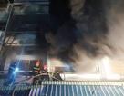 Cháy cửa hàng quần áo, 4 người nhảy từ tầng 3 xuống đất thoát thân