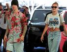 Vợ chồng Justin Bieber dạo phố bằng siêu xe sành điệu