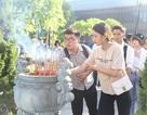 Đà Nẵng: Bạn trẻ dâng hương tưởng niệm các anh hùng liệt sĩ