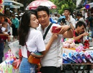 Đông nghịt người đi chơi chợ Trung thu phố cổ Hà Nội
