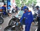 """Bộ Giao thông bác bỏ quan điểm """"bán xăng cho phụ nữ là tội ác"""""""