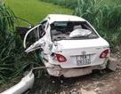 Ô tô bị tàu hỏa tông văng hàng chục mét, tài xế trọng thương
