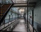 """Ngủ qua đêm ở nhà tù """"ma ám"""", từng được coi là """"nỗi ám ảnh kinh hoàng"""""""