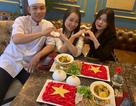 Độc đáo tô mì Quảng hình cờ đỏ sao vàng cổ vũ đội tuyển Việt Nam