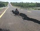 Bộ Giao thông lên tiếng về tuyến đường 250 tỷ đồng vừa làm xong đã nứt toác