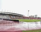 Mưa như trút nước trên sân Thammasat trước giờ diễn ra trận Việt Nam - Thái Lan