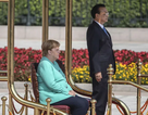 Thủ tướng Đức ngồi ghế trong lễ đón tại Trung Quốc sau 3 lần run rẩy
