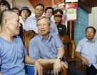 Thường trực Ban Bí thư Trần Quốc Vượng thăm người dân vùng lũ Hà Tĩnh