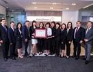 Bộ trưởng Bộ Y tế tặng bằng khen cho AstraZeneca Việt Nam
