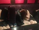 Bắt nhóm đối tượng chuyên ép các cô gái trẻ phục vụ quán hát