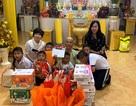 Trao quà trung thu cho các bé họ Nhân ở Cần Thơ