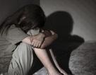 1 giáo viên hiếp dâm bé 13 tuổi sau trung tâm y tế huyện