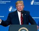 """Tổng thống Trump gây """"bão"""" mạng khi nêu lý do da có màu cam"""