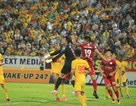 Hoà Nam Định phút cuối, TP HCM gần hết cơ hội đua vô địch
