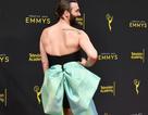 Jonathan Van Ness mặc váy dự sự kiện