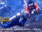 """Khách Trung Quốc """"nghịch dại"""", khóa van bình oxy của bạn khi đang lặn biển"""