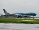 """""""Siêu máy bay"""" Vietnam Airlines va đập với ống lồng khi sắp cất cánh rời Moscow"""