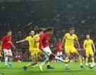 """Arsenal thắng đậm Frankfurt, MU chật vật vượt qua """"tí hon"""""""